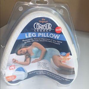Contour legacy leg pillow includes washabl…
